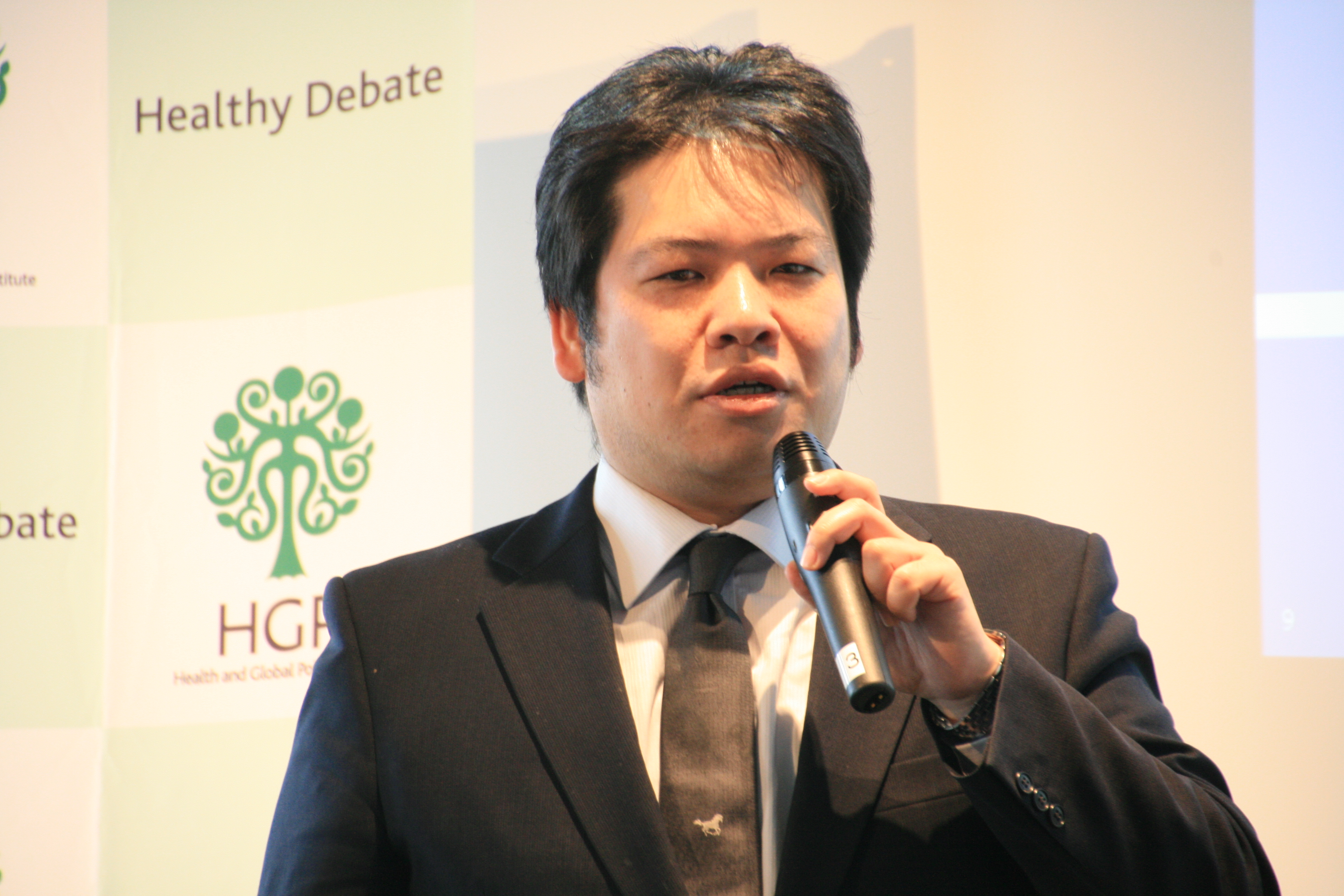"""[Event Report] The 61st Breakfast Meeting """"Medical ICT and related regulations: Case examples from foreign countries and the desired future debate in Japan"""" (March 24, 2017)"""
